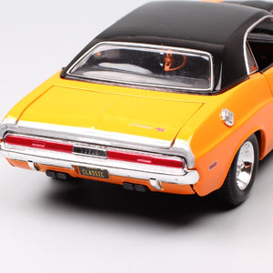 1:24 Scale maisto classic old 1970 Dodge Challenger RT