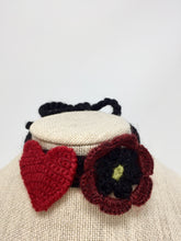 Load image into Gallery viewer, Heart & Flower Collar - Winter