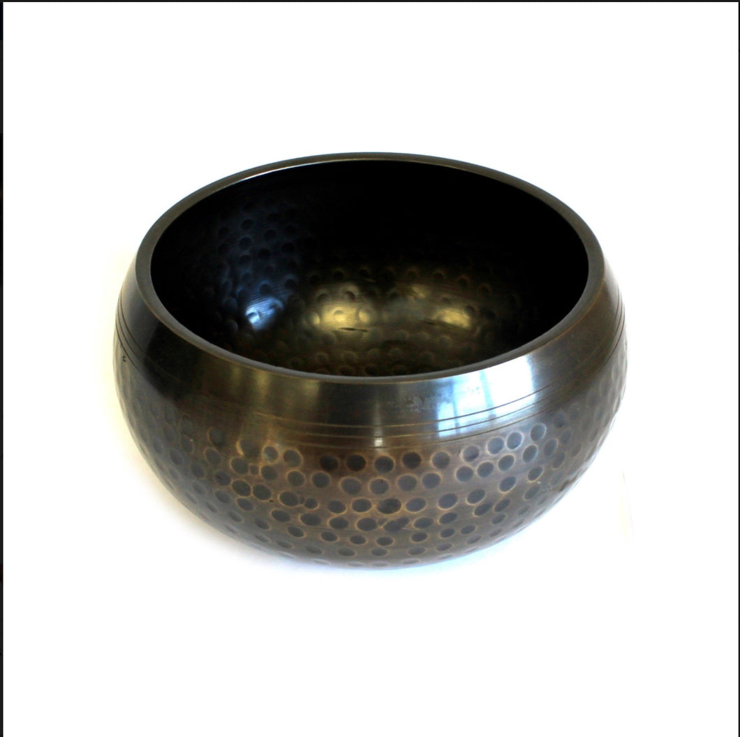 Med Black Beaten Bowl - 15cm
