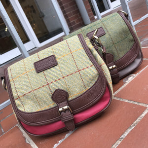 Tweed crossbody bag
