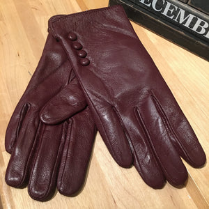 Leather Gloves with four buttons
