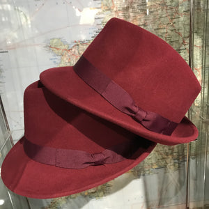 Trilby Hat Wine - M