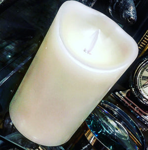 Cream flameless battery candle