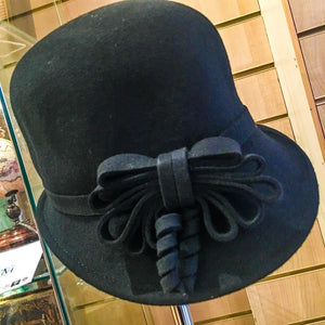 Wool ladies hat with felt bow decoration