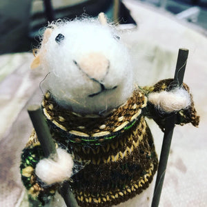 Bertie Mouse skiing decoration