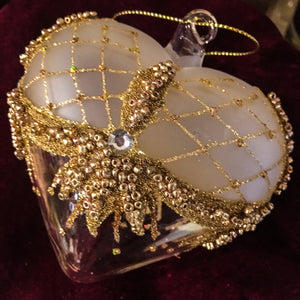 clear heart with bindi/gold glitter pattern 9cm