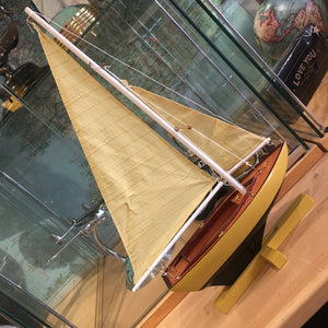 Sunset Sailer boat - yellow