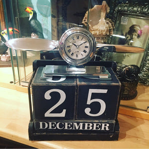 Aluminium Art Deco Desk Propeller Clock