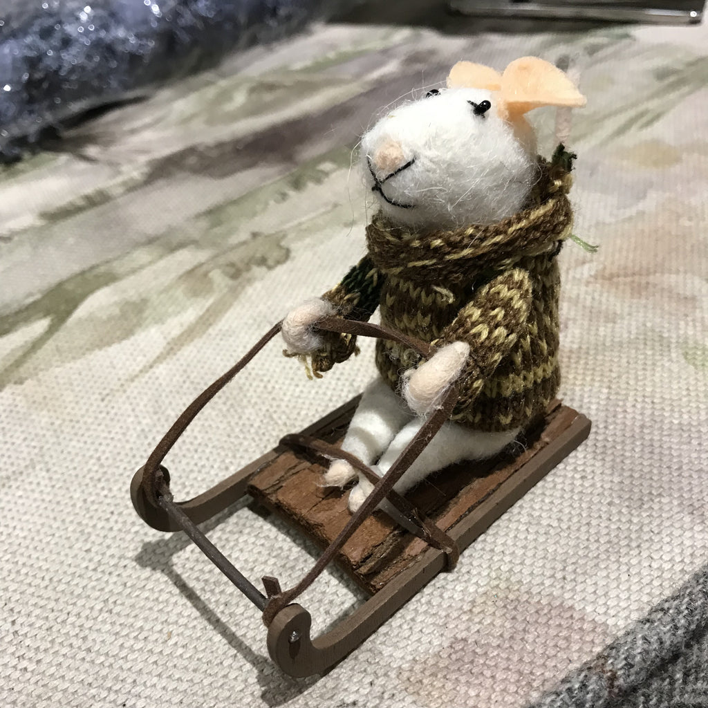 Bertie sledging mouse