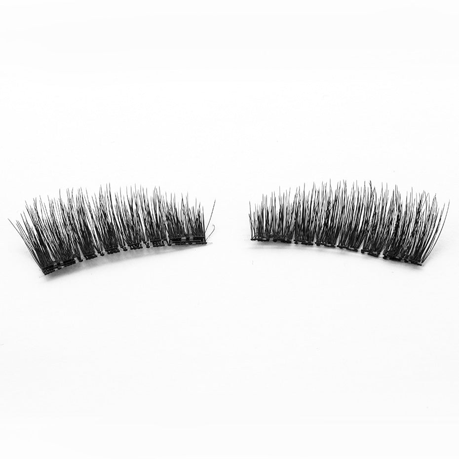 A Set of 4 6D Magnetic Eye Lashes