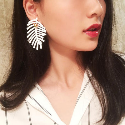 Boho White Leaf Earrings - LuisaMora