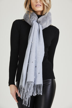 Faux Fur Wrapped Pearl Scarf