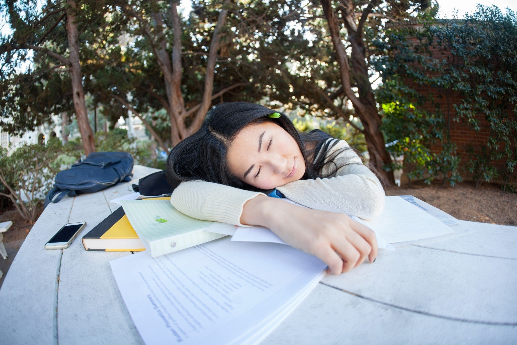 No More Z's During Class: 9 Useful Tips for Tired Students in College
