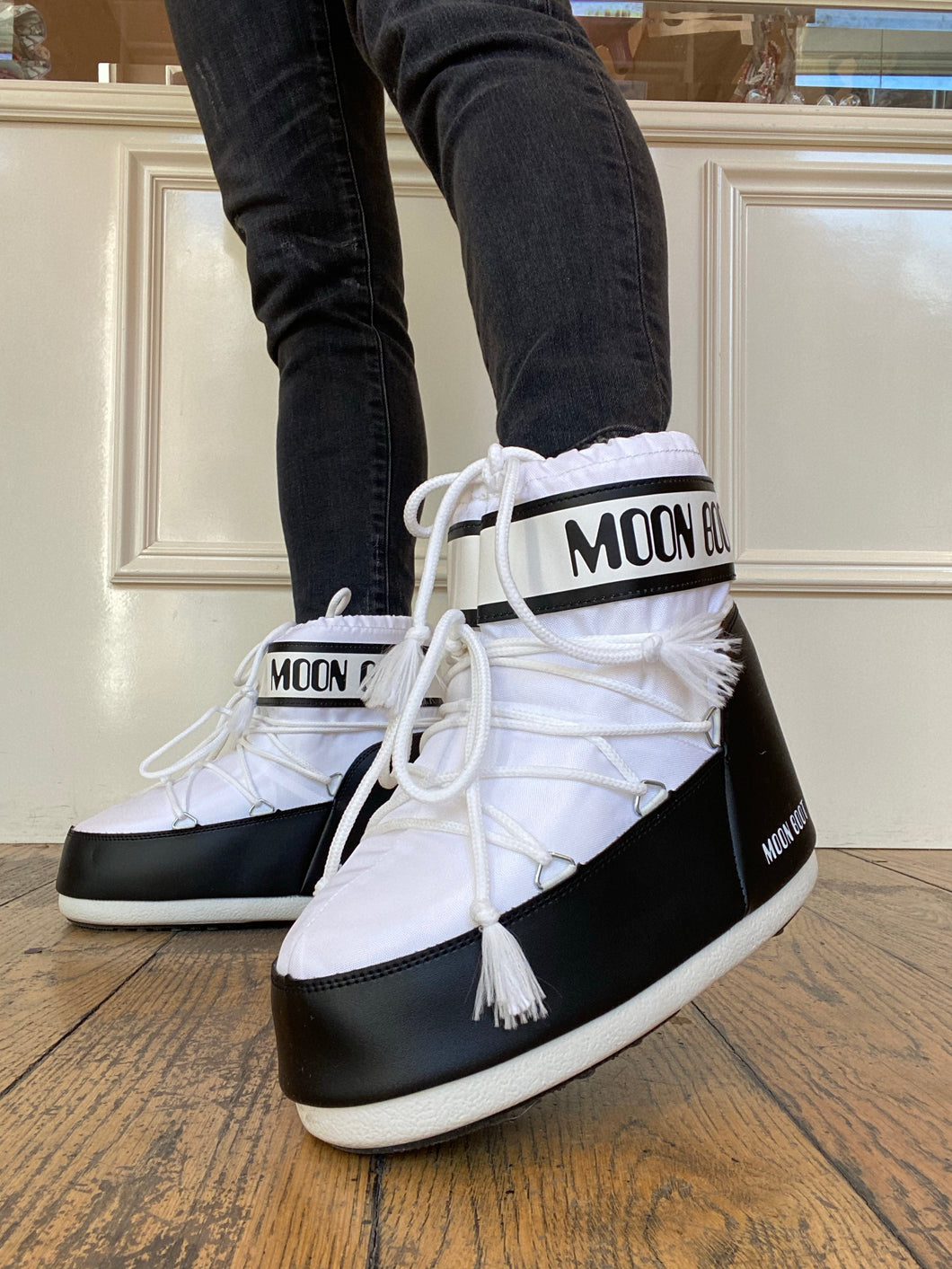 Moon Boot Low White