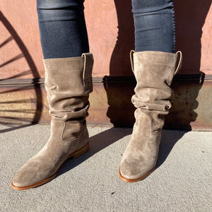 ESSEutESSE Suede Slouchy Boot