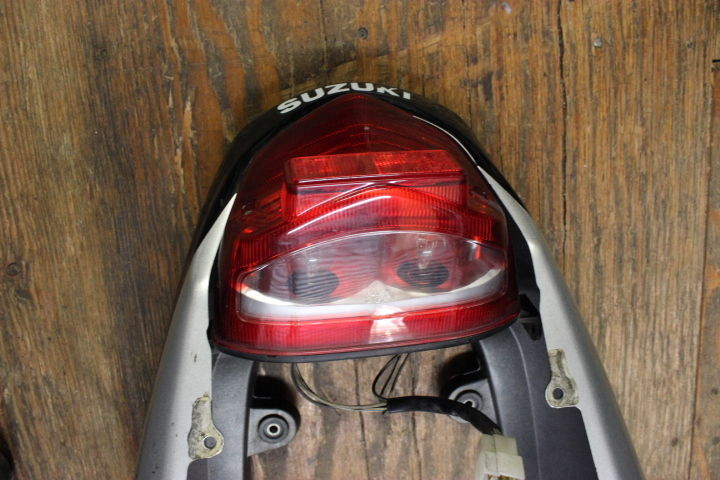 00 01 02 SUZUKI GSXR 1000 OEM LEFT RIGHT SIDE FAIRINGS TAIL LIGHT