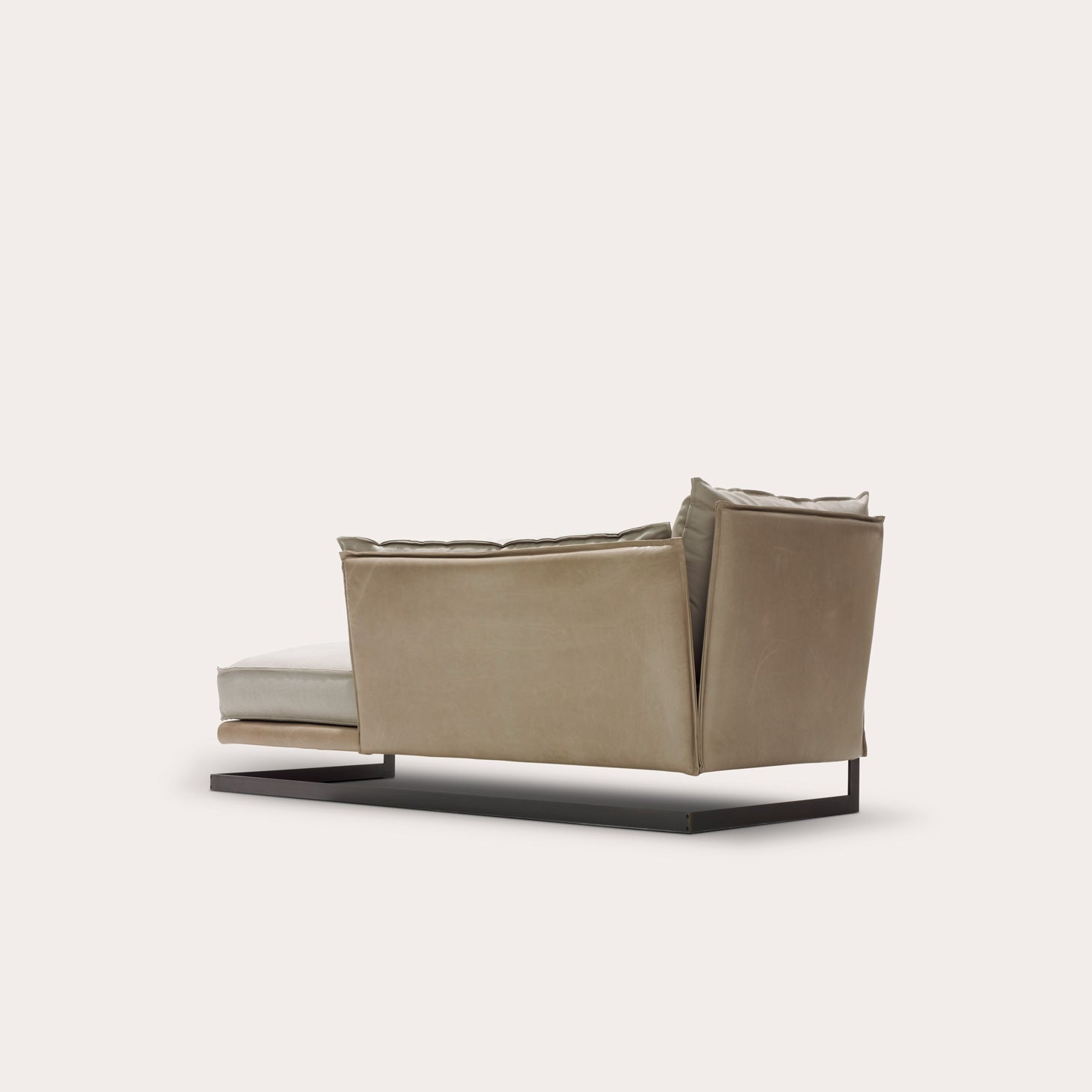 Mulberry Street Chaise Longue Sofas by Marcel Wolterinck  Avenue