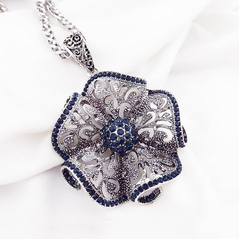 Sweater Vintage Flower Long Pendant Necklace