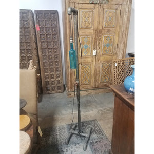 Iron pipe standing lamp