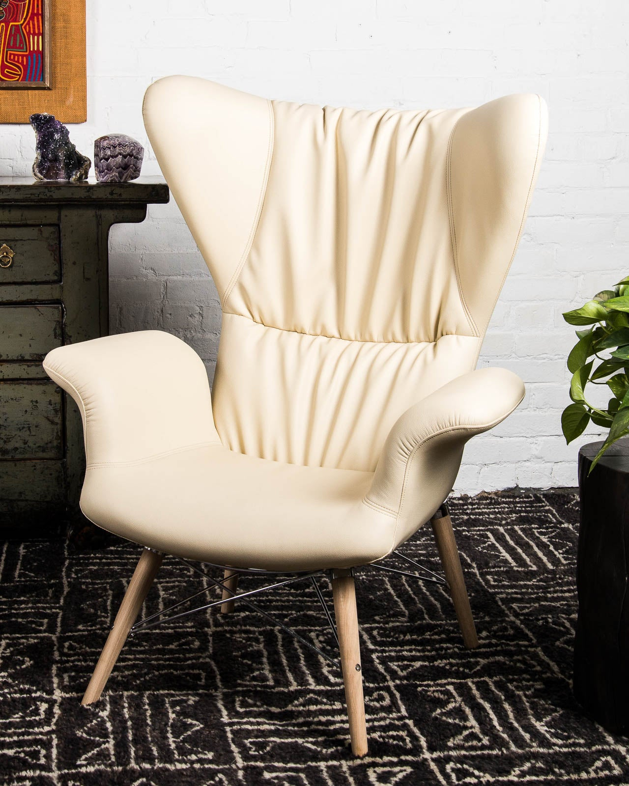 Awesome Mid Century Style Papa Chair With Pleated Back In Vegan Leather Forskolin Free Trial Chair Design Images Forskolin Free Trialorg