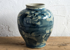 Chinese blue and white vase, contemporary