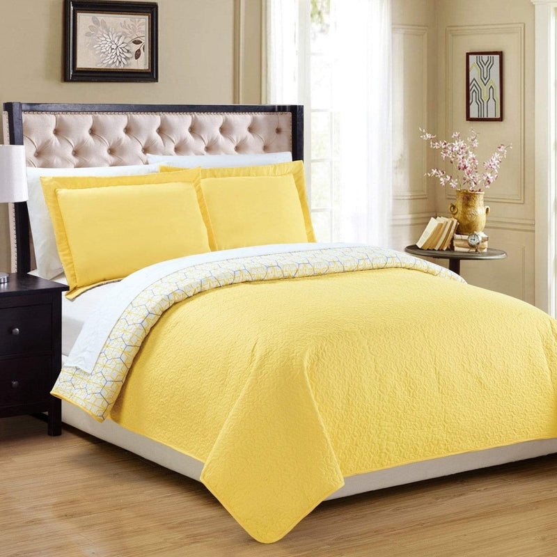 Chic Home Lori Lorna Alma Maricel Thomas Lucy 7 Piece Quilt Set Reversible Modern Geometric Print Bed in a Bag Yellow