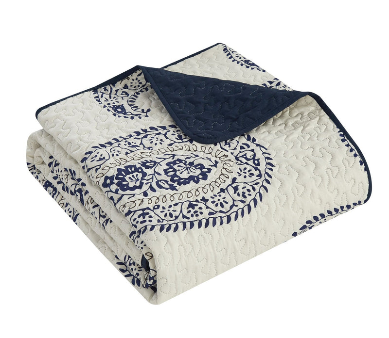Chic Home Safira 7-9 Piece Quilt Set Contemporary Two-Tone Large Scale Paisley Print Bed In A Bag