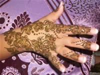 hand woman henna moroccan marriage 2