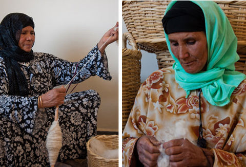 two women weaving wool moroccan rugs