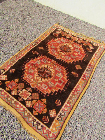 VINTAGE MOROCCAN BERBER TRIBAL RUG BLACK COLOR