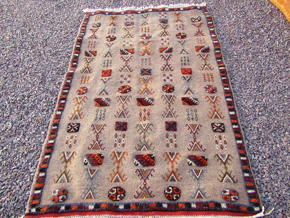 moroccan berber rug hand woved tribal products color beige