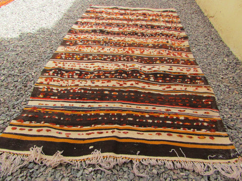 Rug-Berber Oriental Tribal Moroccan Rug black and beige