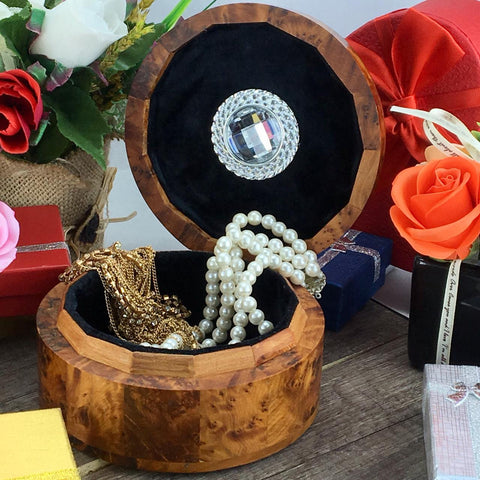 Earring storage Carved wooden jewelry box, necklace ring storage lined with black velvet