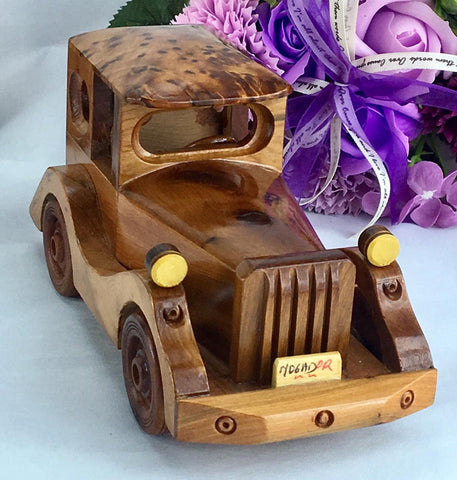 Small Decorative thuya wooden Classic Collection Car 18x8x9 cm from Morocco