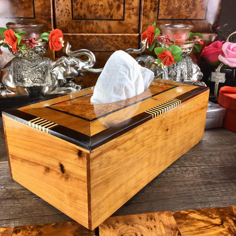 Decorative Thuya wooden tisue box holder from Morocco, Thuya cedar wooden kleenex holder tissue box made in Essaouira 25.80 x 14.50 x 9 cm