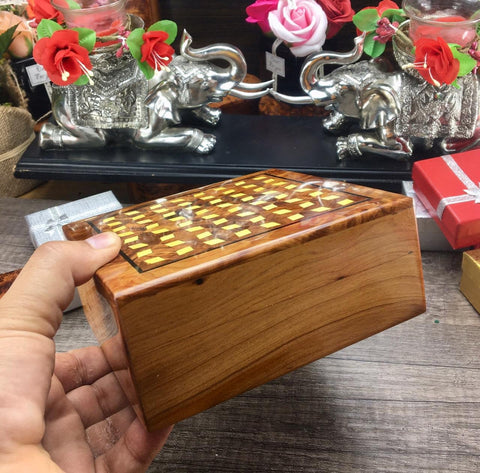 Keepsake decorative engraved wooden jewelry small box, hand carved bracelets necklace storage thuya wooden box, memory gift box for her