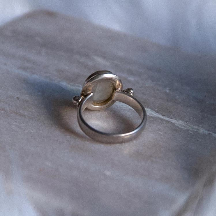 Vintage Moonstone Sterling Silver Ring