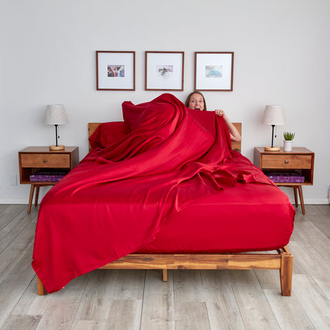 sheets & giggles eucalyptus sheet set in red