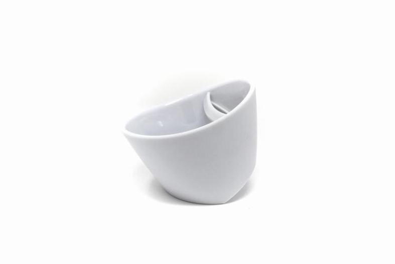 Tipping tea cup, magisso, snow white, red dot design award