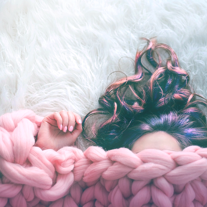 7 WAYS TO PROTECT YOUR HAIR WHILE YOU SLEEP