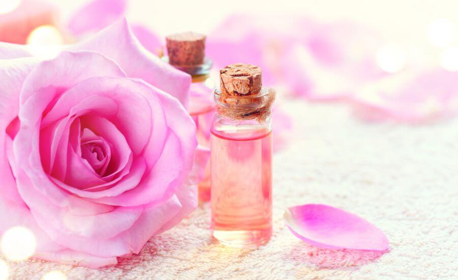 Try a Rose water Face toner for Tighter Pores, Acne, Ageing & More