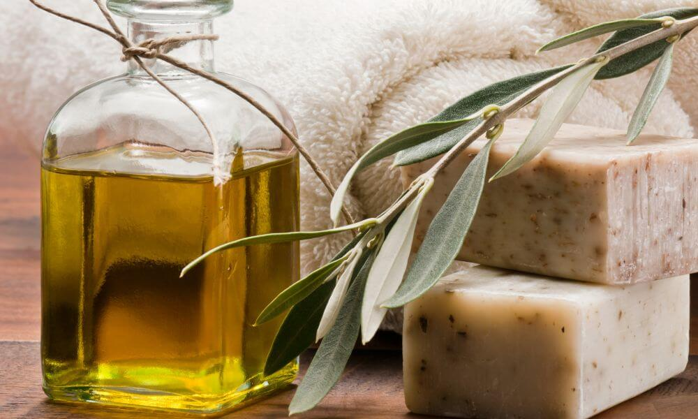 What Is Castile soap? Top 8 Benefits and Uses of Olive oil Soap