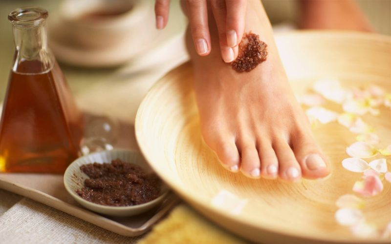 how to use sugar scrub