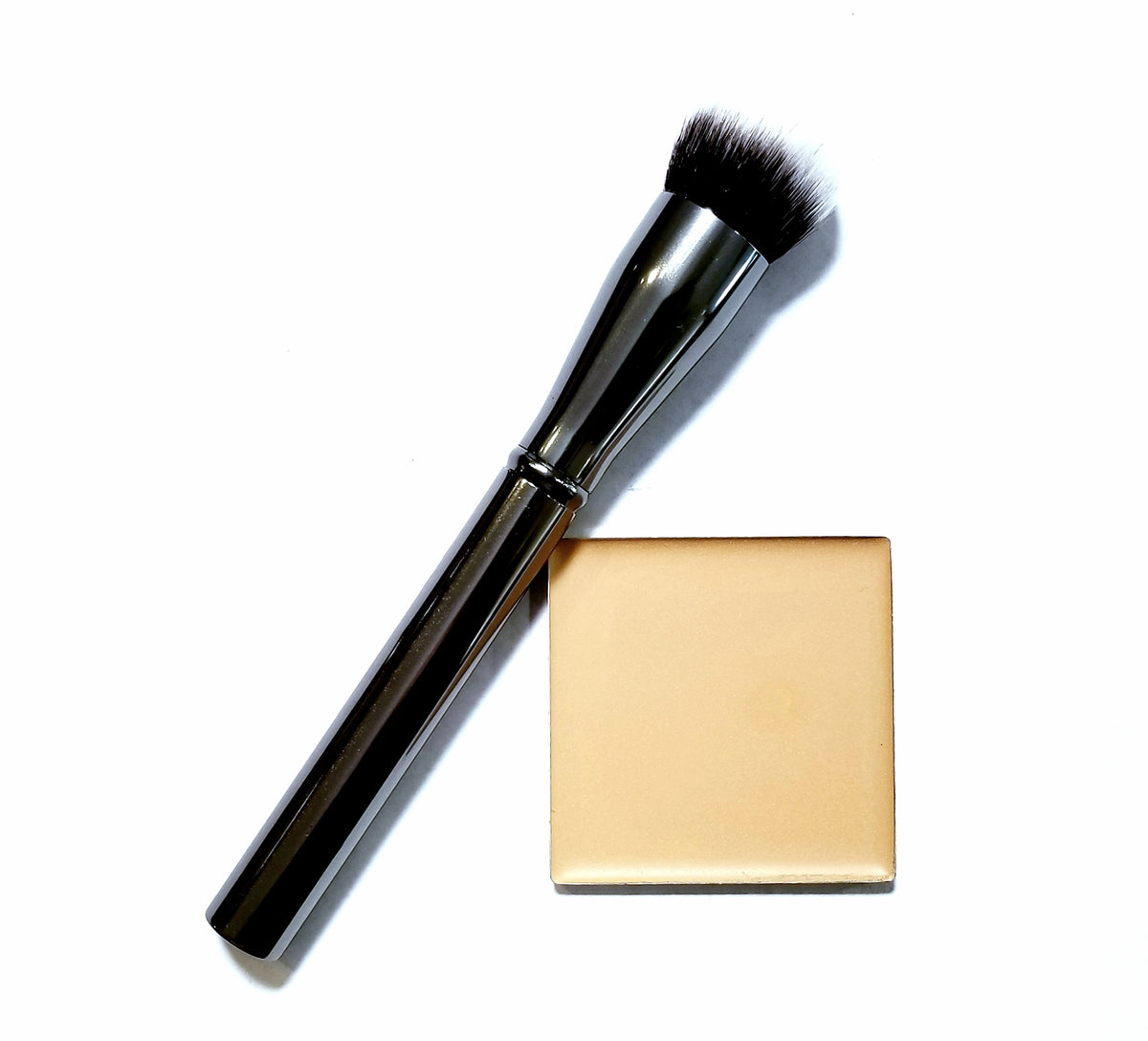 The Magic 3 in 1 Foundation and application brush