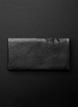 Kangaroo Paw Slimline Wallet - Licorice