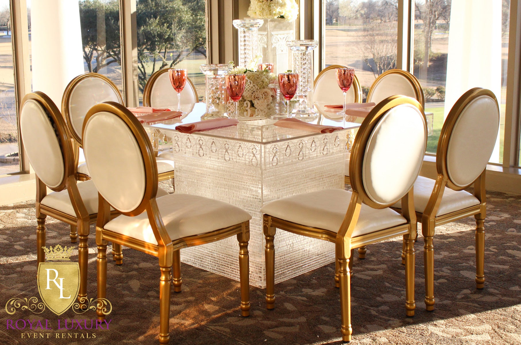 crystal acrylic square dining table 4x4 feet crystal acrylic square dining table 4 foot   luxury event rentals  rh   luxuryeventrentals com