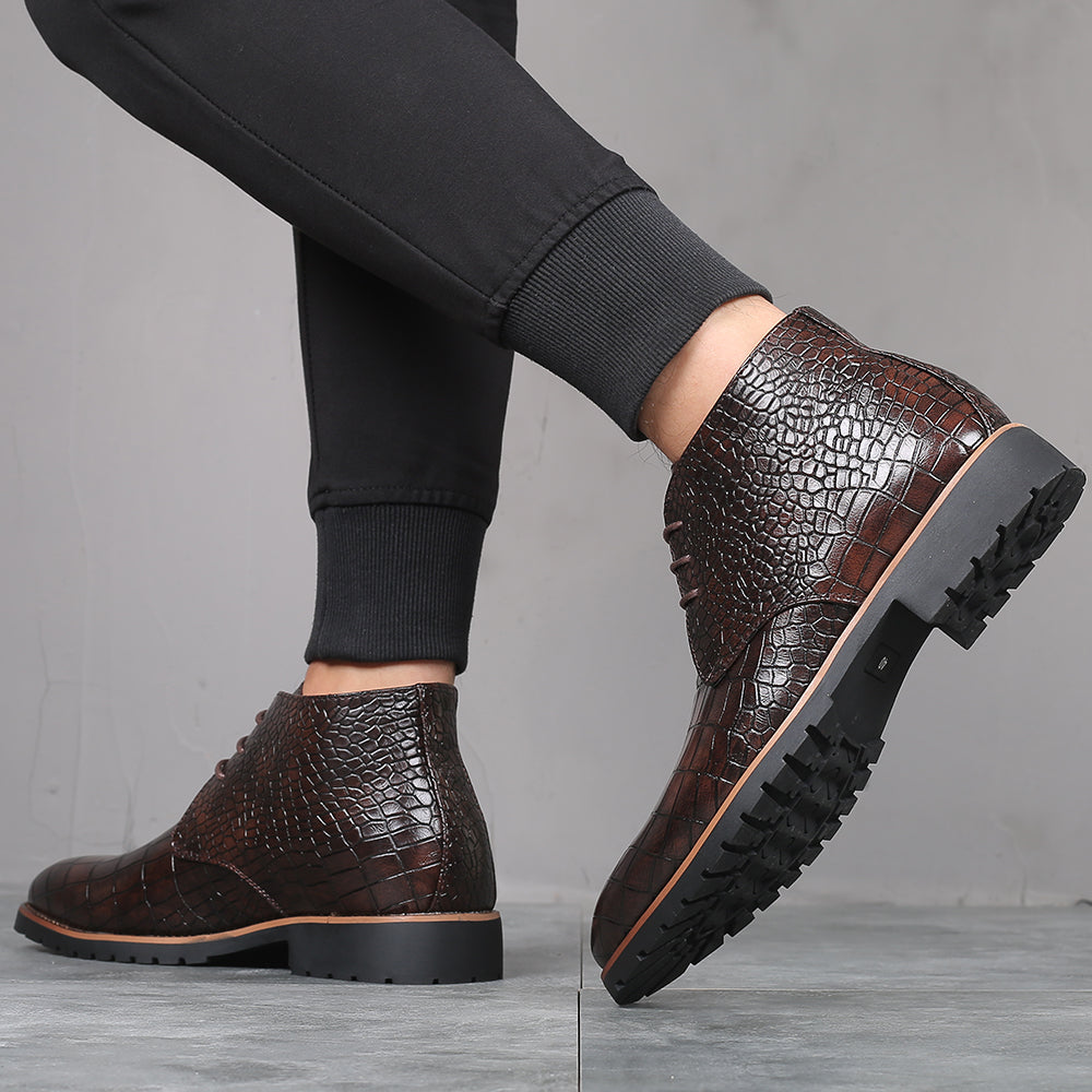 Classic Crocodile Pattern Warm Leather Boots