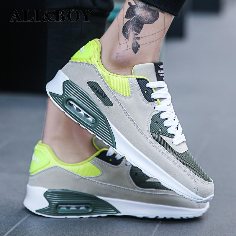 2018 New Outdoor Men Breathable Lightweight Sneakers