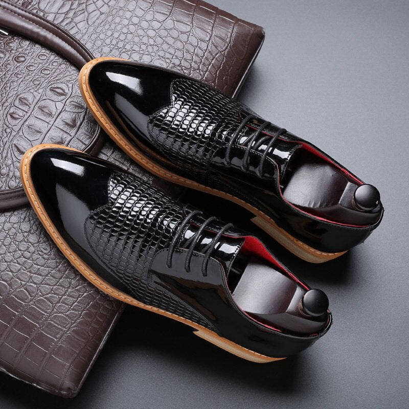 Genuine Leather Men Brogues Shoes
