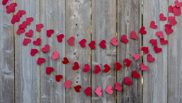 Red heart paper garland - perfect for wedding, valentine's day, bridal shower